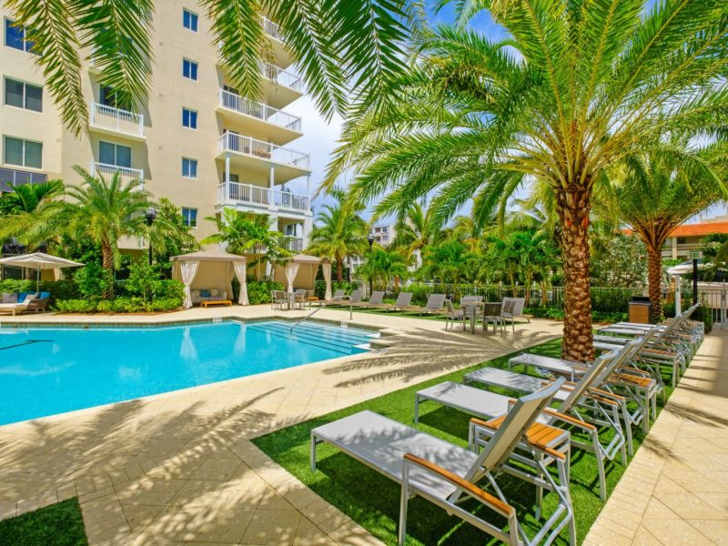 TGM Harbor Beach Resort-style Swimming Pool 2